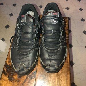 Men's 9.5 Nike shox